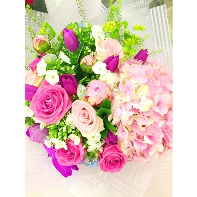繡球玫瑰牡丹鬱金香花束