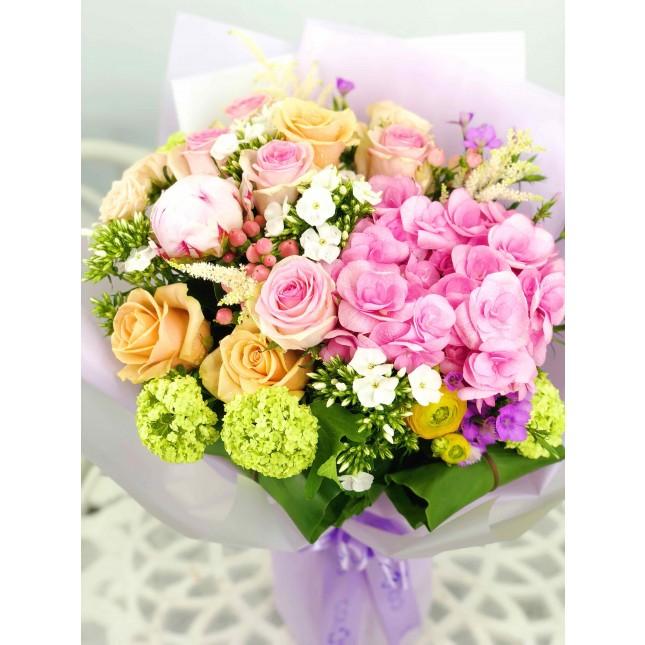 金粉玫瑰牡丹繡球花束