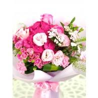 繡球玫瑰桔梗康乃馨花束