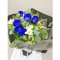 藍玫瑰花束