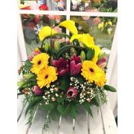 香水百合配太陽菊枱花