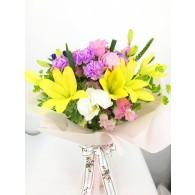 百合牡丹康乃馨花束