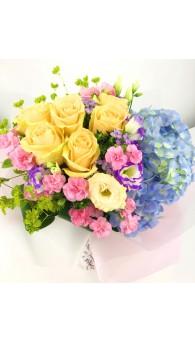 繡球玫瑰康乃馨花束